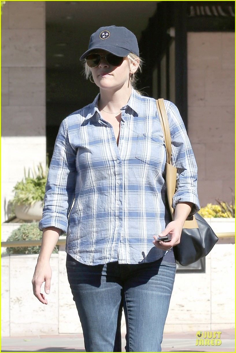 reese witherspoon soccer saturday with deacon 232746330