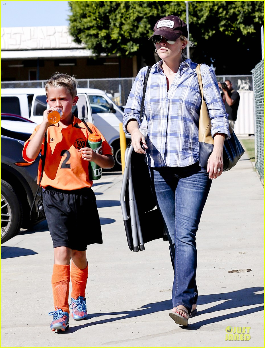 reese witherspoon soccer saturday with deacon 282746335