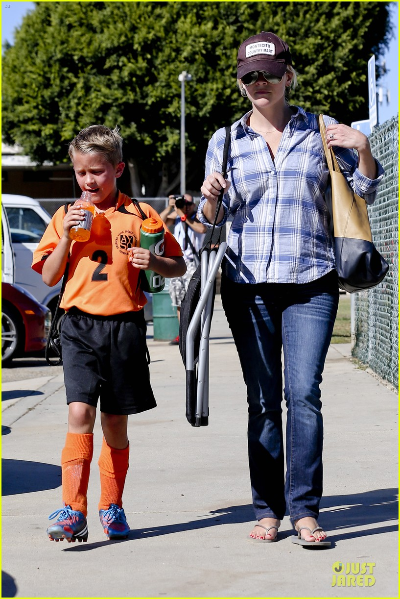 reese witherspoon soccer saturday with deacon 292746336
