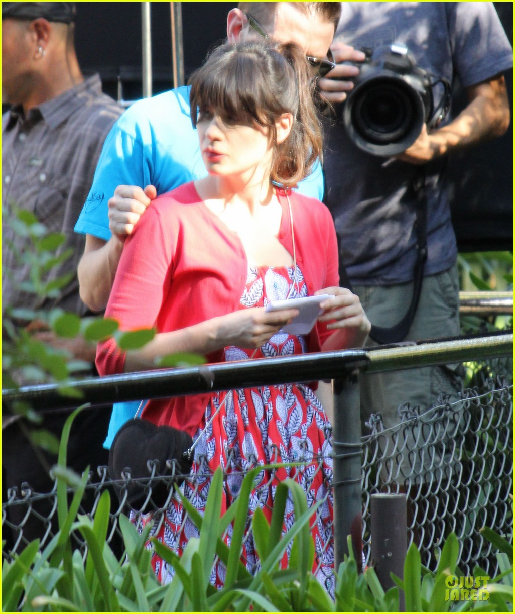 zooey deschanel new girl's zoo set 16
