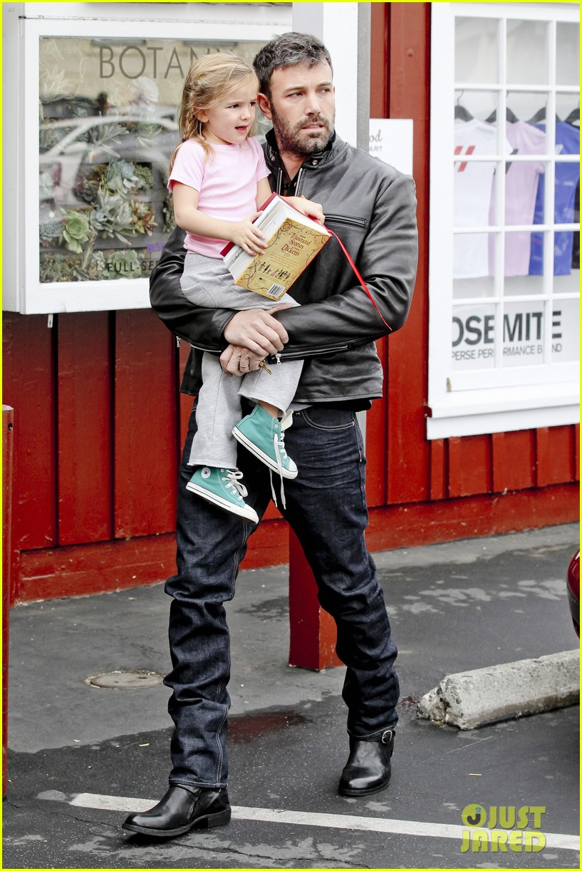 ben affleck daddys day with violet seraphina 232754053