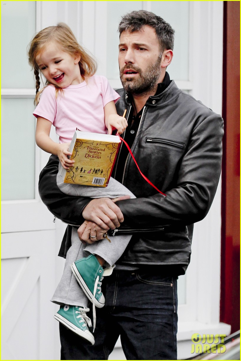 ben affleck daddys day with violet seraphina 262754056