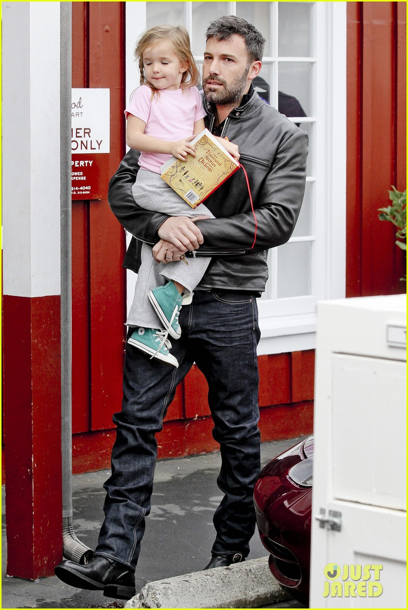 ben affleck daddys day with violet seraphina 272754057