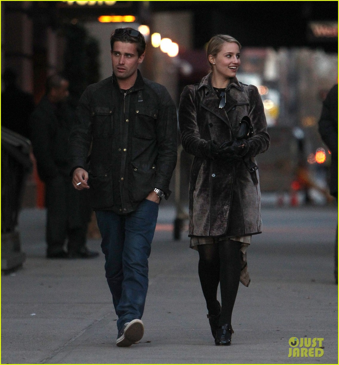 dianna agron christian cooke holding hands in nyc 032758334