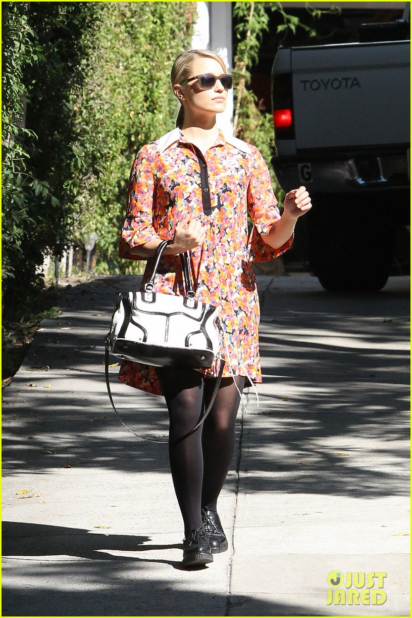 dianna agron hilary duff ladies who vote 212752134