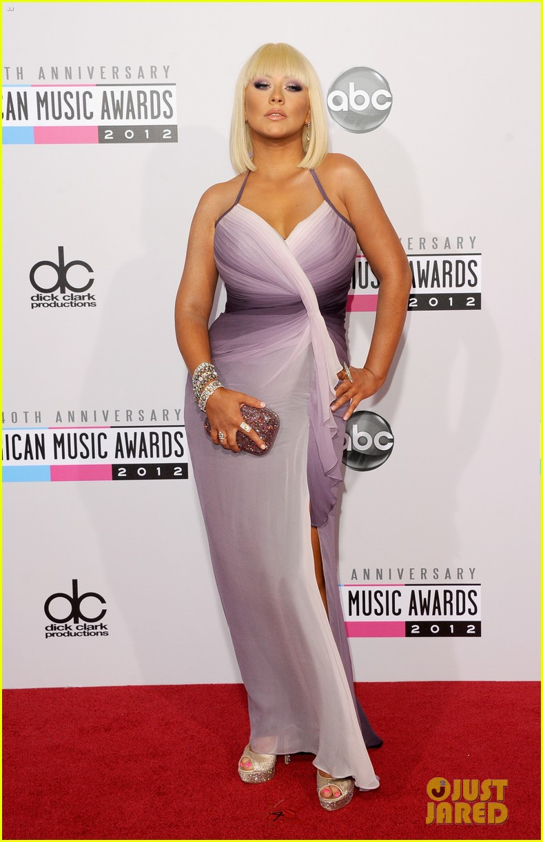 christina aguilera amas 2012 red carpet 012760265