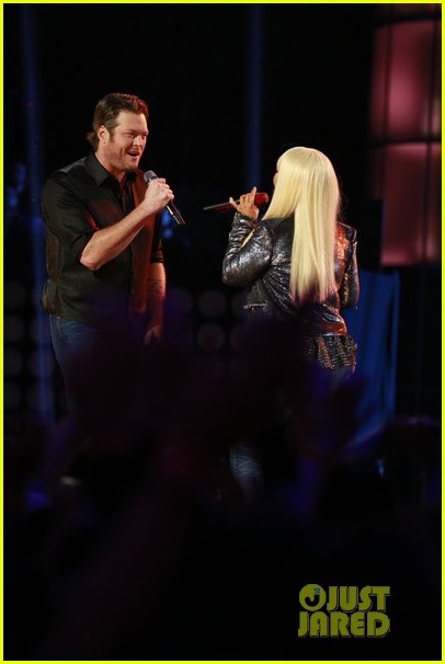 christina aguilera blake shelton just a fool performance on the voice 032761282