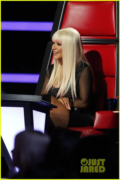 christina aguilera blake shelton just a fool performance on the voice 042761283