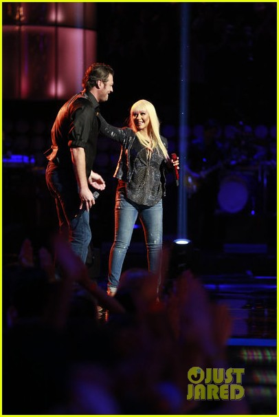 christina aguilera blake shelton just a fool performance on the voice 052761284