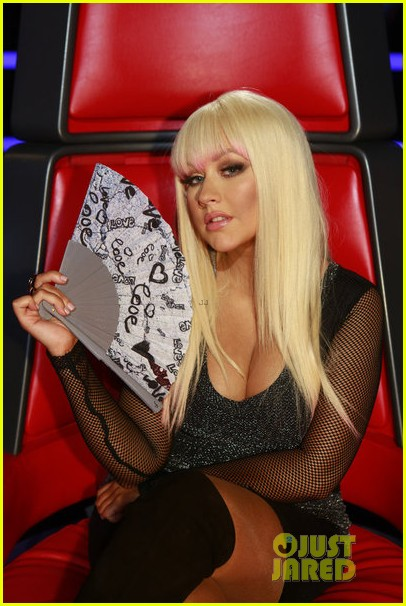 christina aguilera blake shelton just a fool performance on the voice 062761285