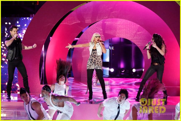 christina aguilera let there be love performance on the voice 052761780