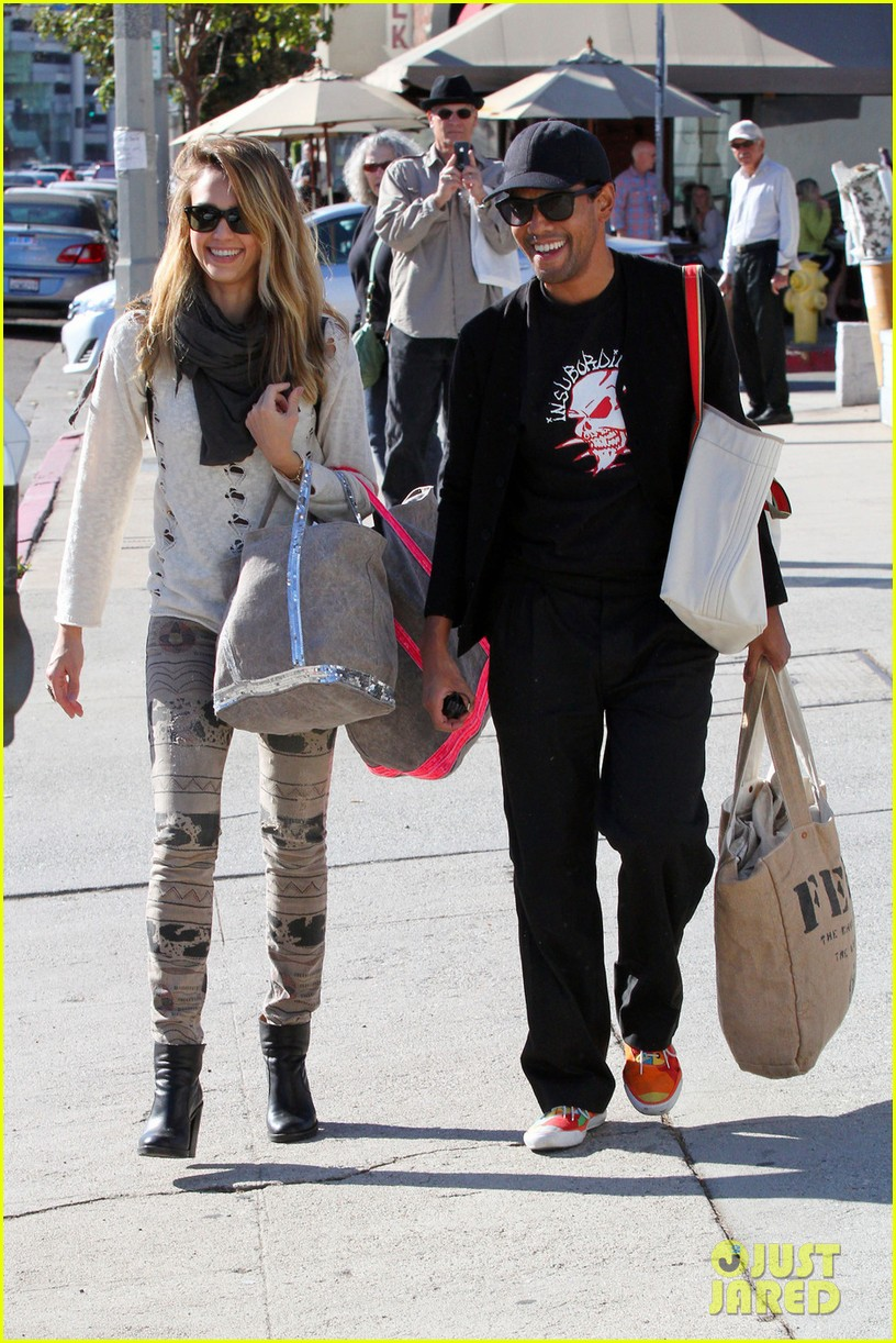 jessica alba cash warren giggles n hugs with honor 302754903