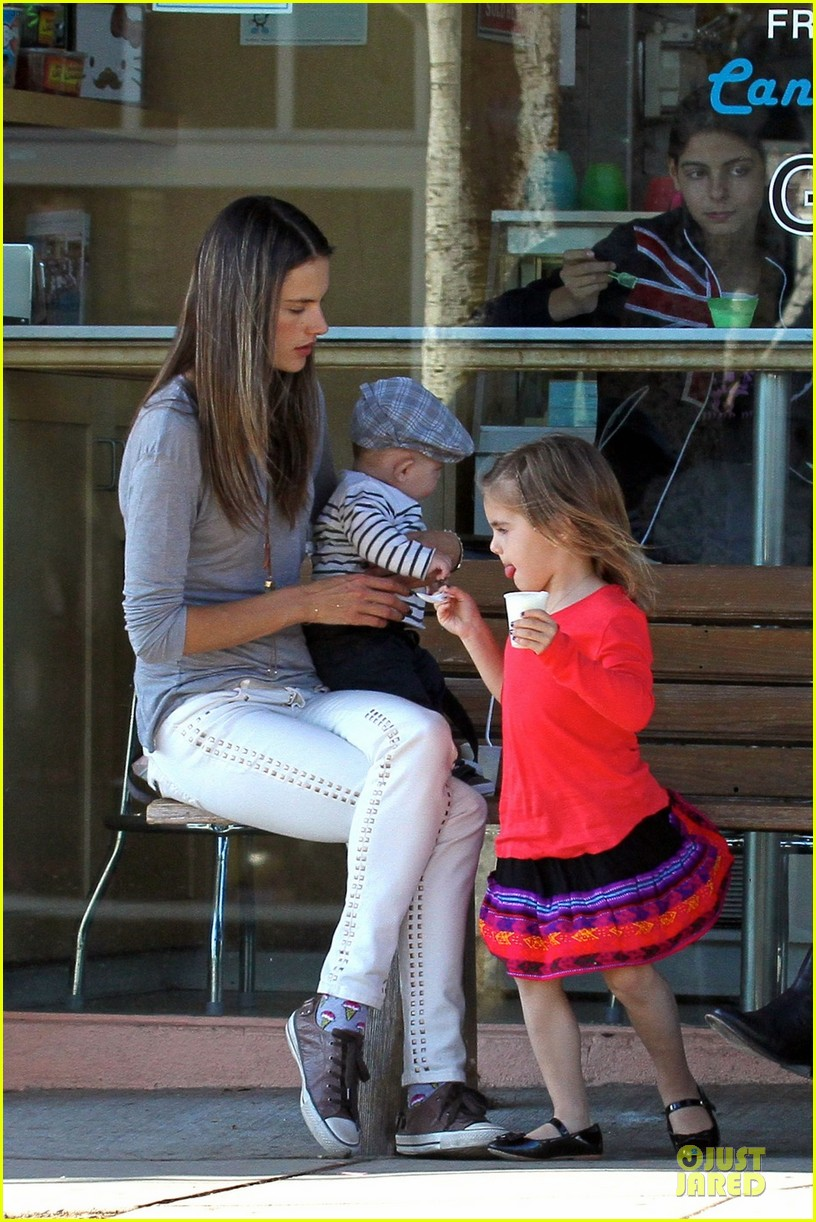 alessandra ambrosio ice cream stop with anja and noah 012751194