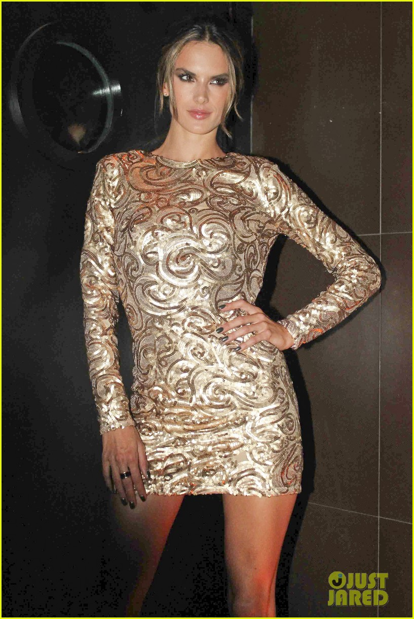 alessandra ambrosio new york city for victorias secret fitting 032749467