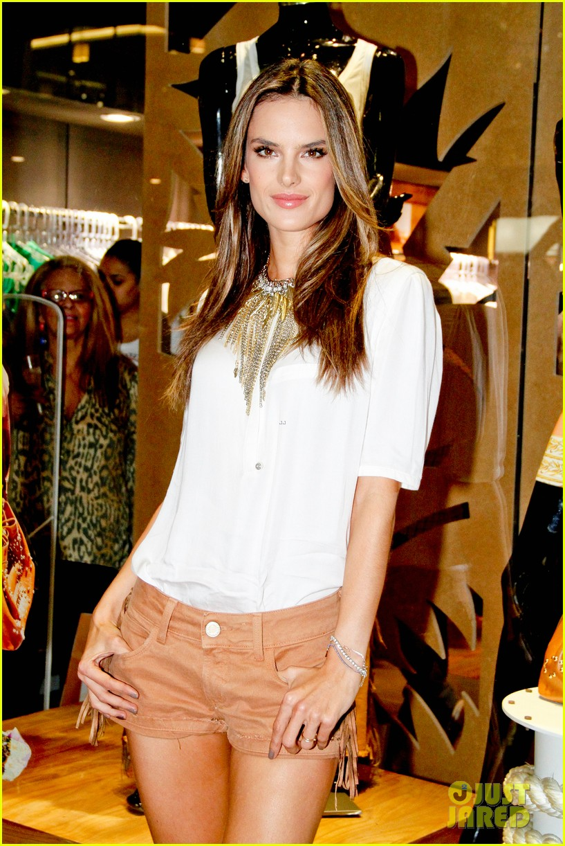 alessandra ambrosio colcci collection launch in rio 052759787