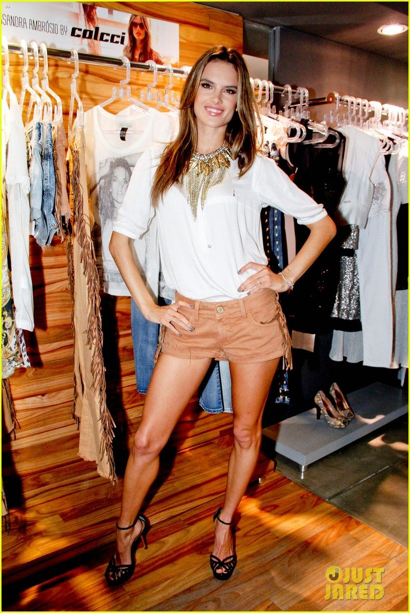 alessandra ambrosio colcci collection launch in rio 082759790