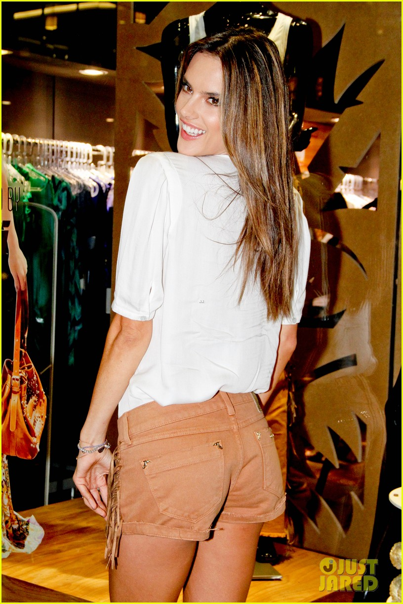 alessandra ambrosio colcci collection launch in rio 092759791