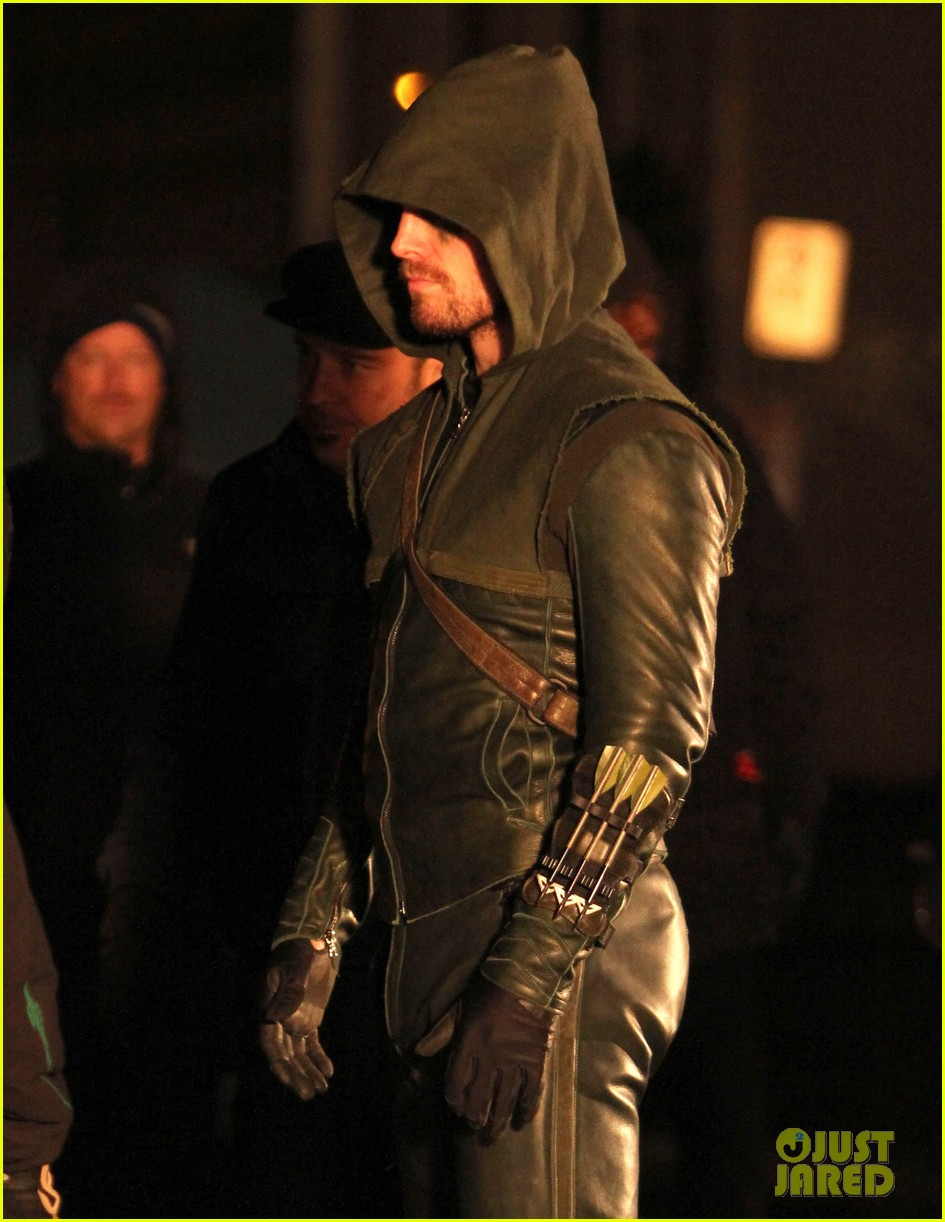 stephen amell arrow fight scenes 04