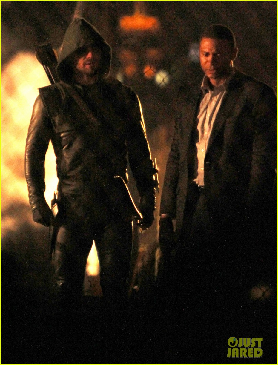 stephen amell arrow fight scenes 102758275