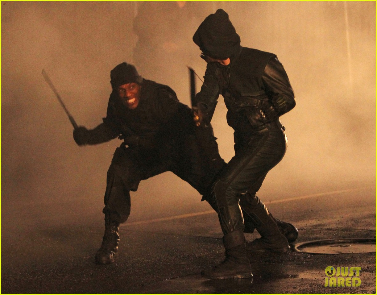 stephen amell arrow fight scenes 22