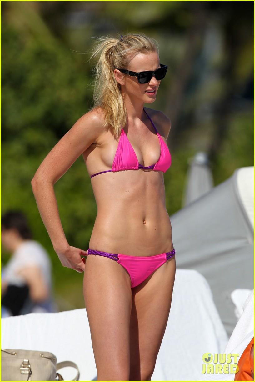 anne v bikini beach beauty 022762946
