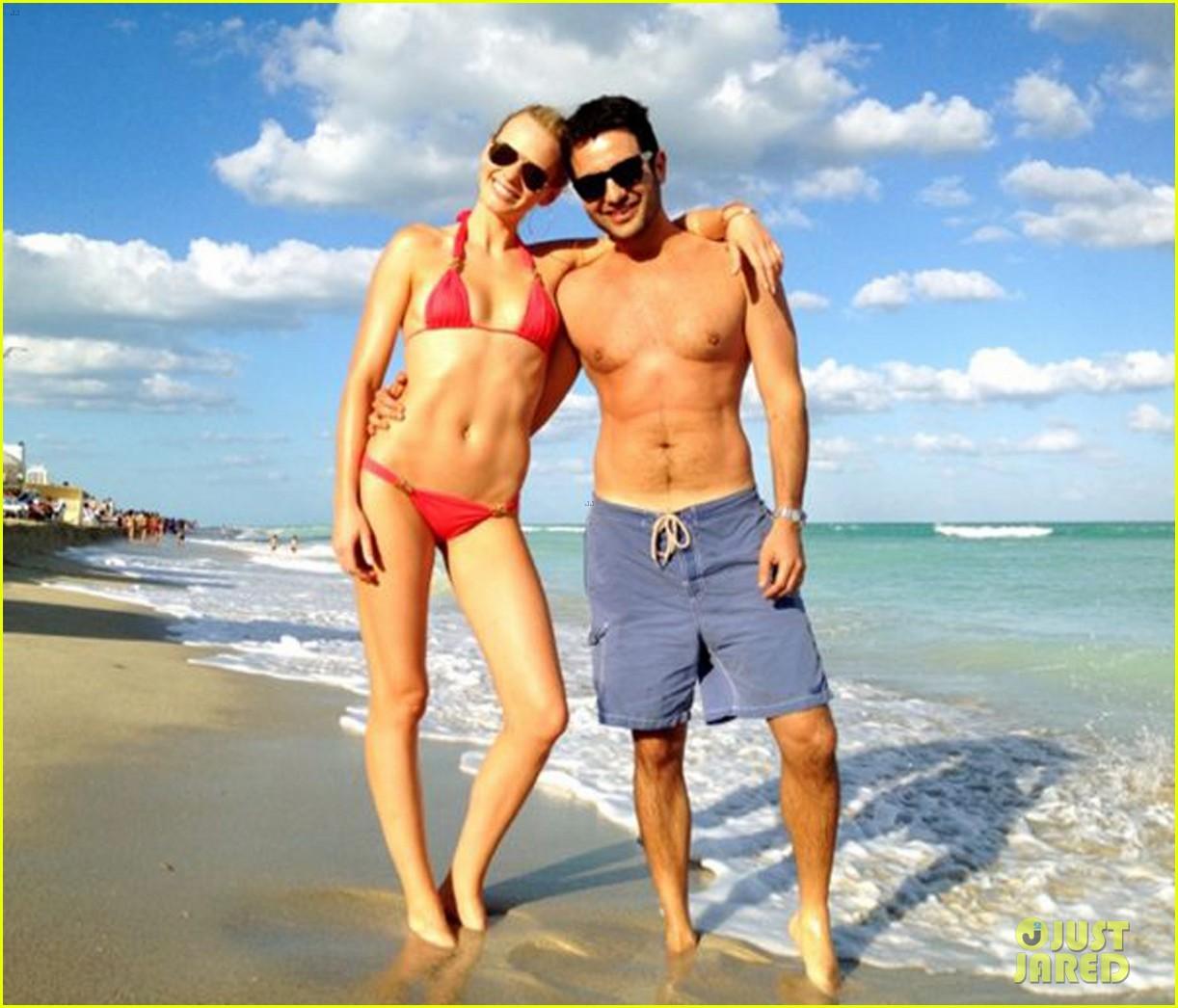 anne v bikini thanksgiving miami 052762557