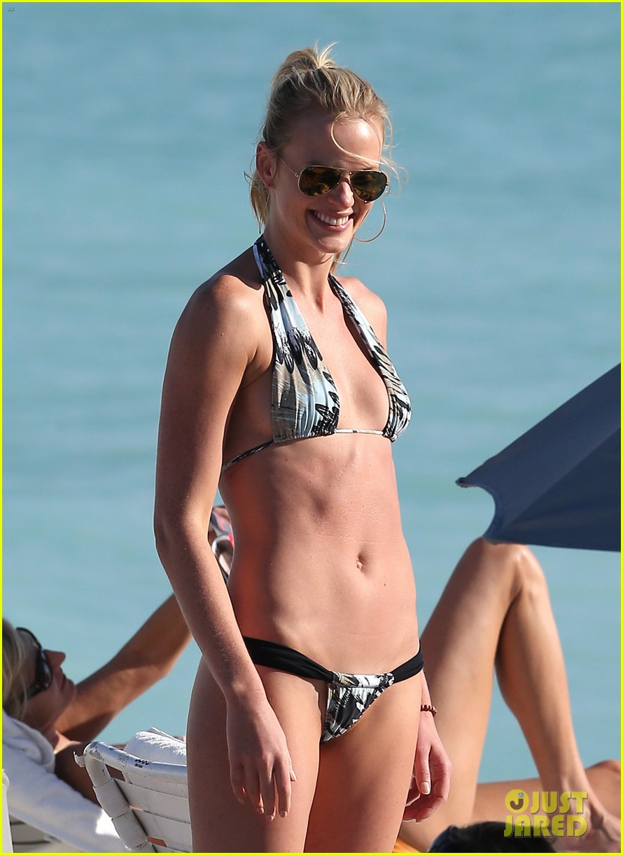 anne v dual bikinis in miami beach 11