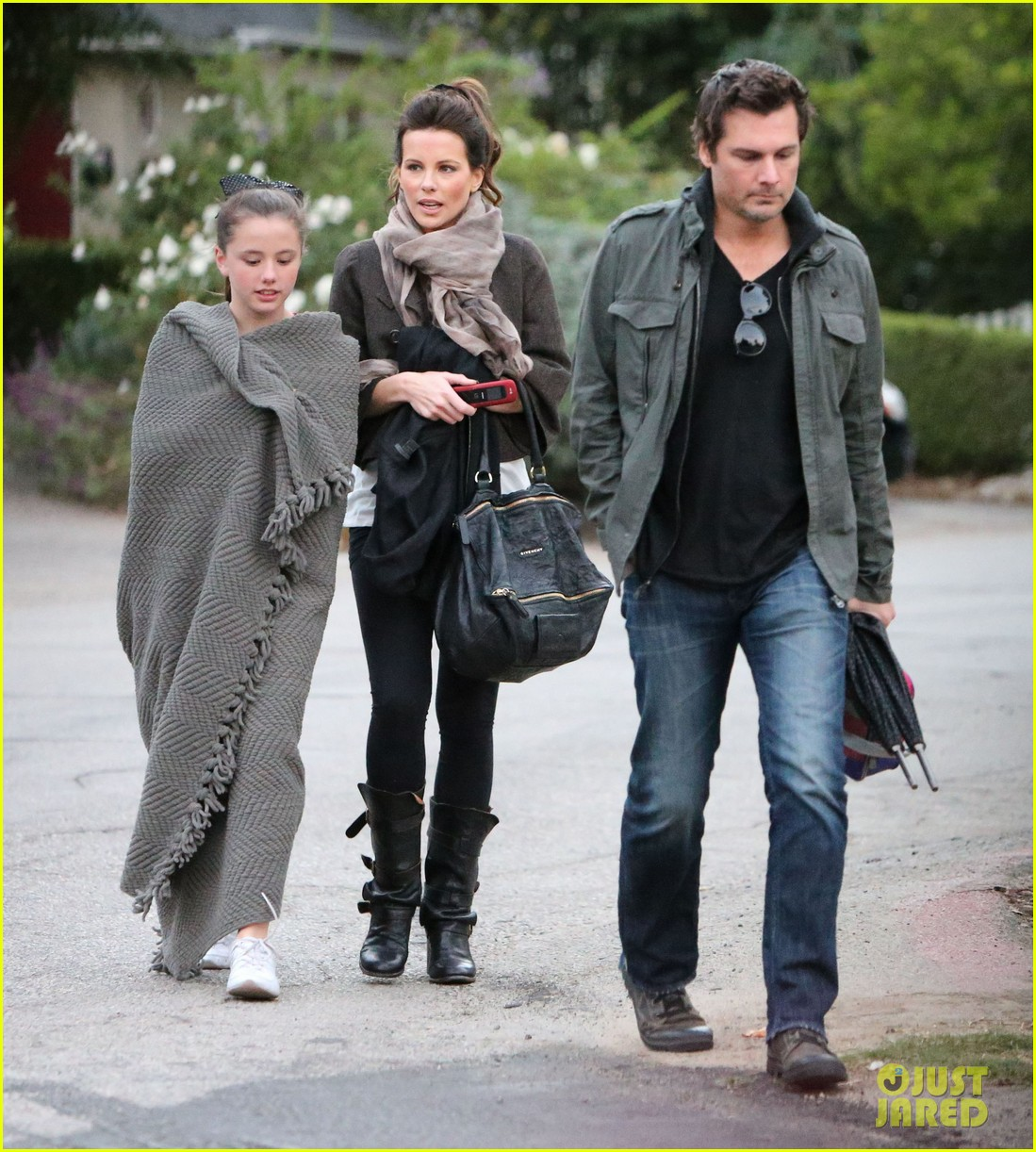 kate beckinsale family football game 032755281