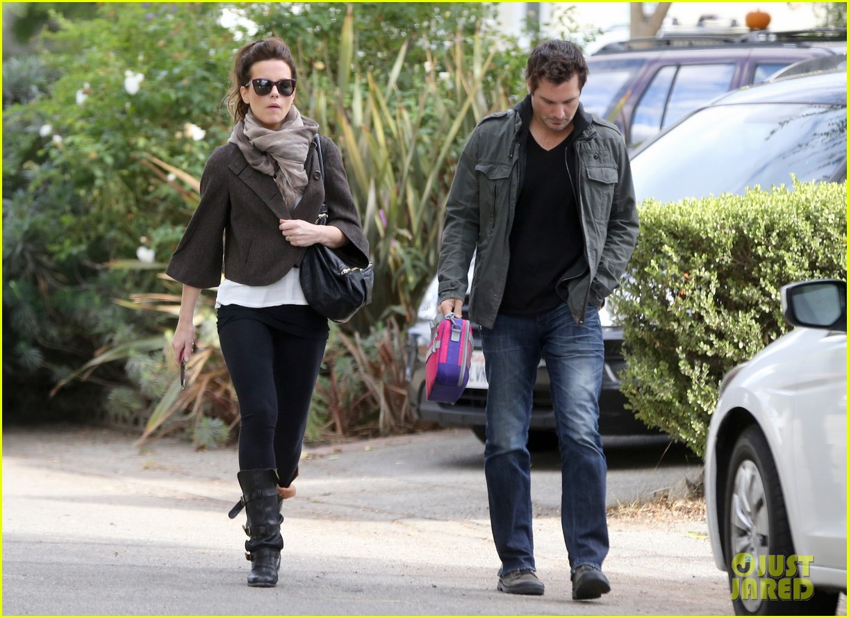 kate beckinsale family football game 062755284