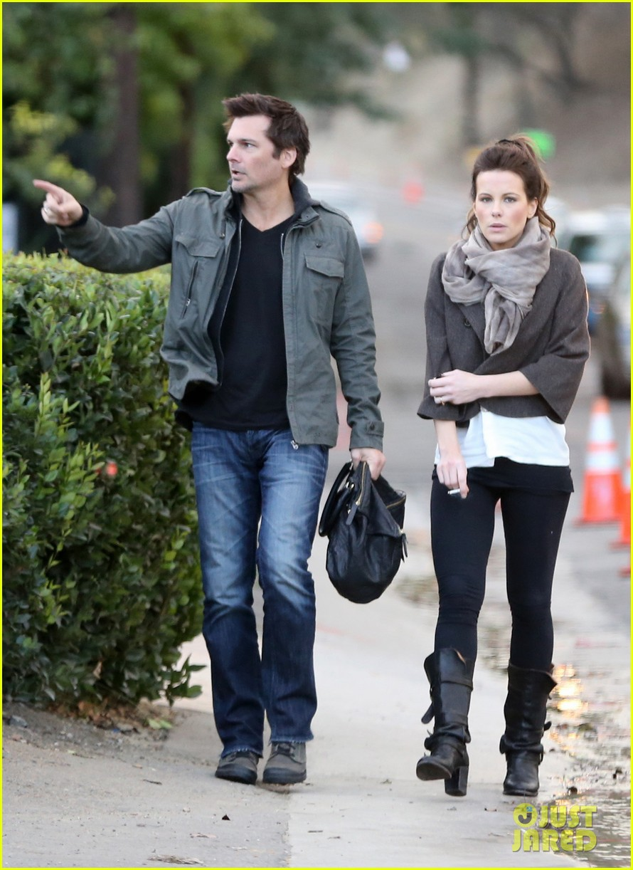 kate beckinsale family football game 092755287