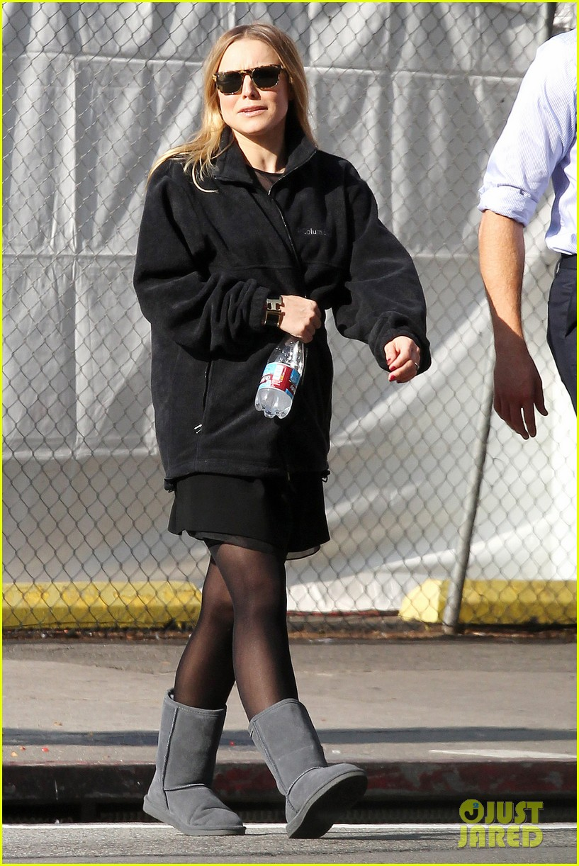 kristen bell baby bump cover up on house of lies set 012762853