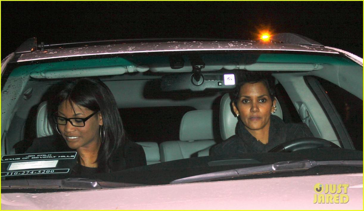 halle berry osterio drago dinner date with her gals 032754235