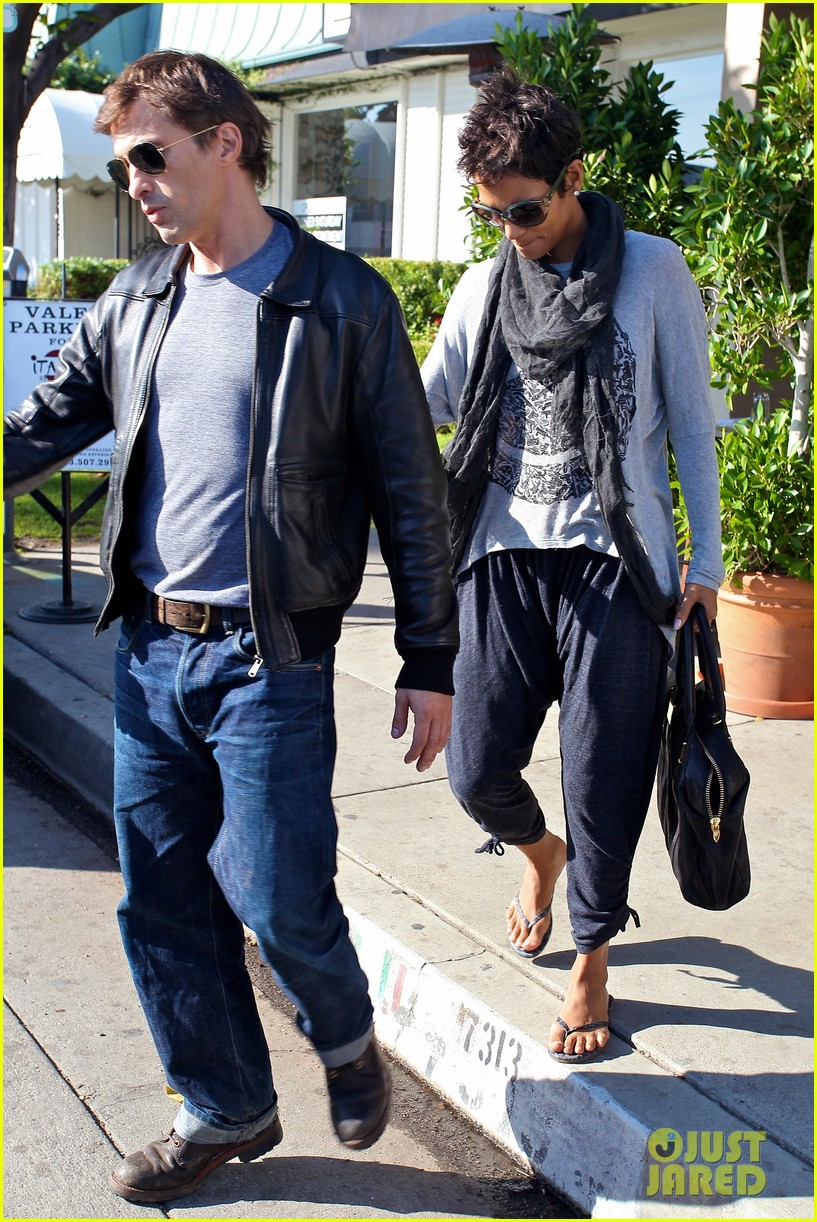 halle berry olivier martinez early thanksgiving party nahla aubry 252762295