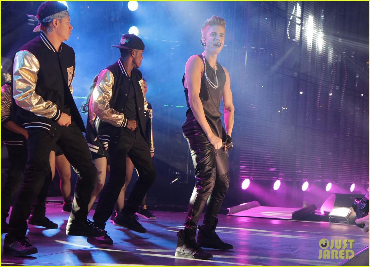 justin bieber grey cup performance watch now 202764110