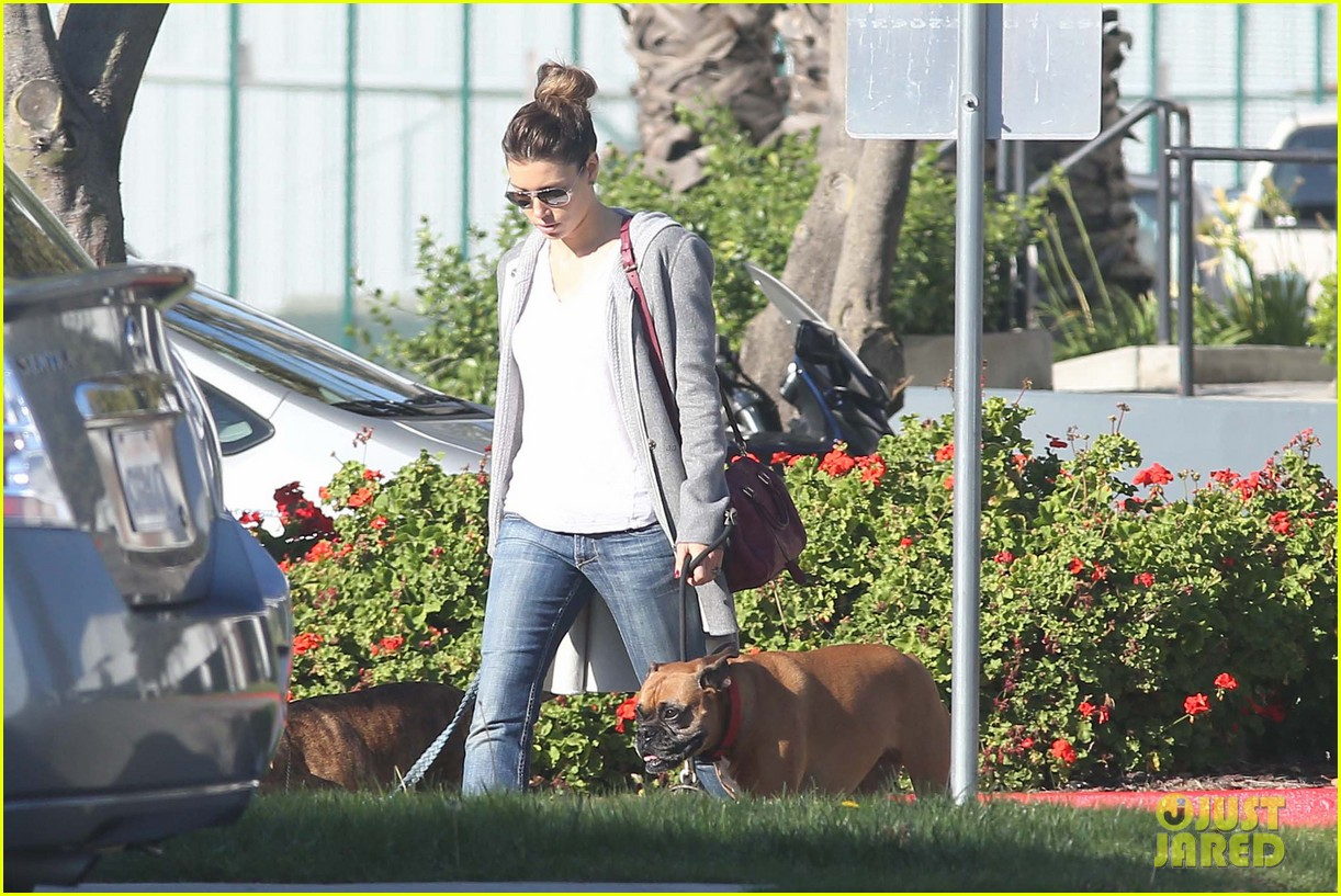 jessica biel dog walk before private plane departure 09
