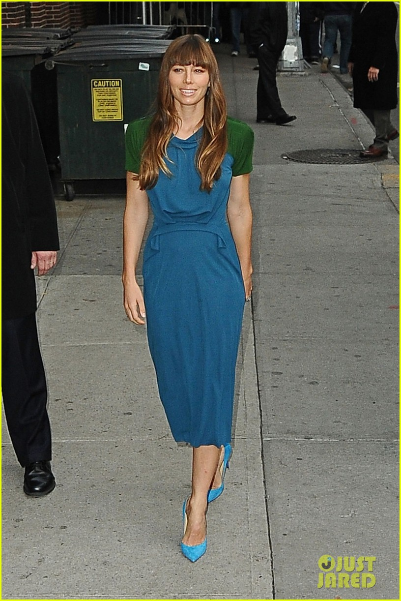 jessica biel promotes hitchock on letterman 062760920
