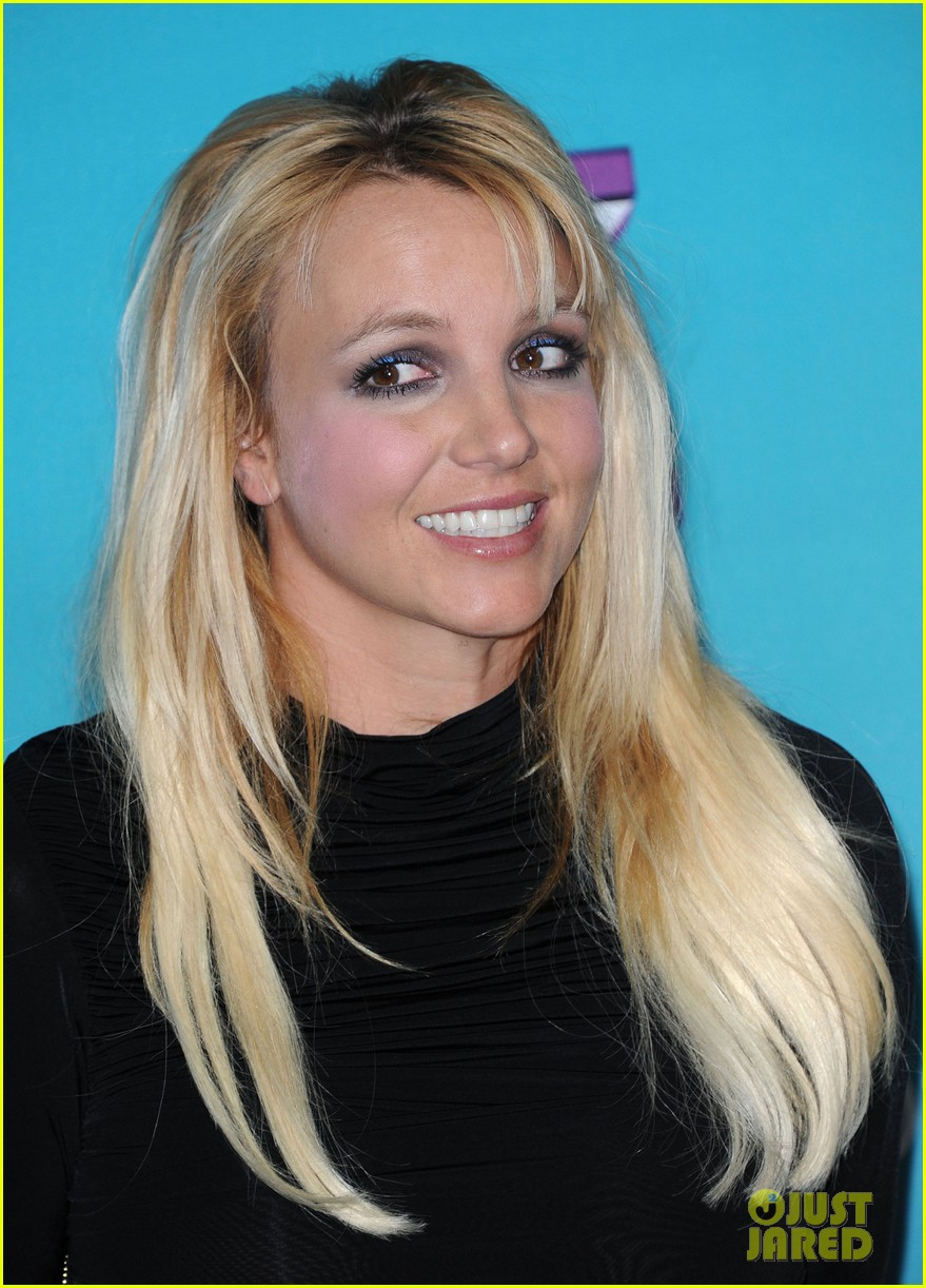 britney spears demi lovato x factor finalists party 07