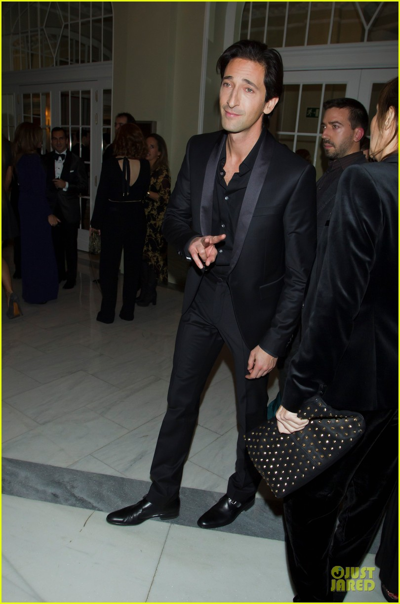 adrien brody lara lieto gq awards in madrid 19