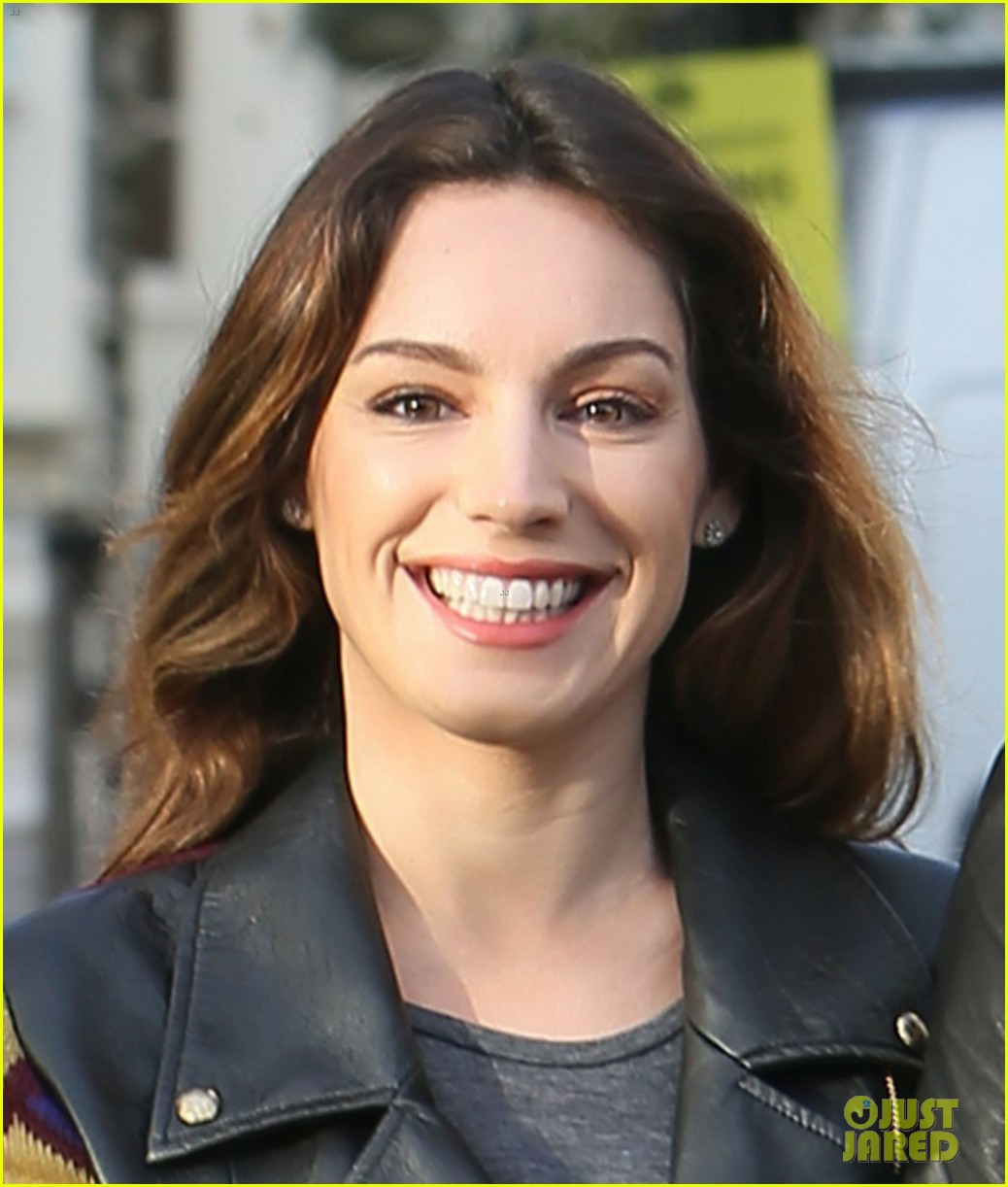 kelly brook birthday stroll with boyfriend 03