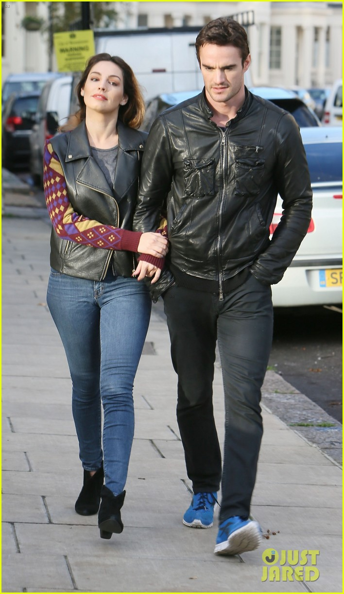 kelly brook birthday stroll with boyfriend 122762993
