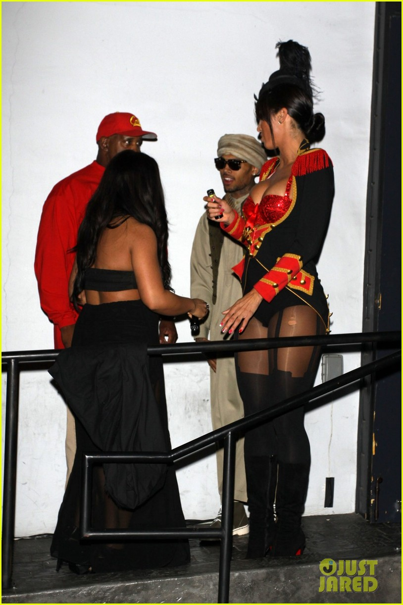 chris brown taliban robes for rihannas halloween party 042749365