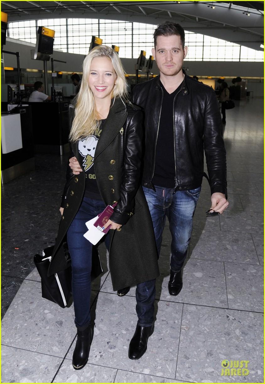 michael buble luisana lopilato london departing couple 07