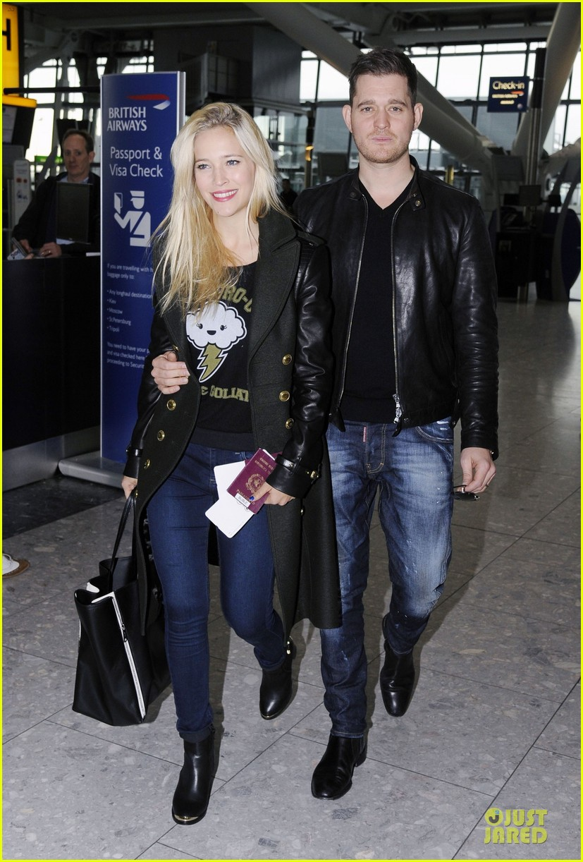 michael buble luisana lopilato london departing couple 082752397
