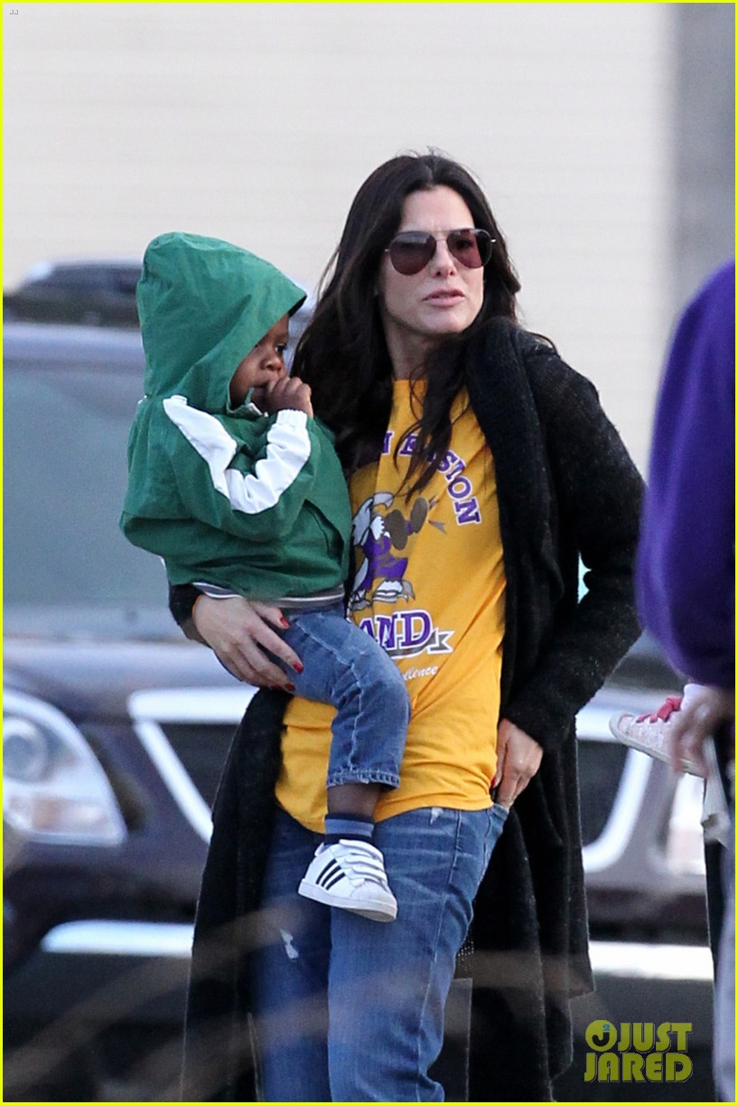 sandra bullock camila alves hang out with the kids 022757647