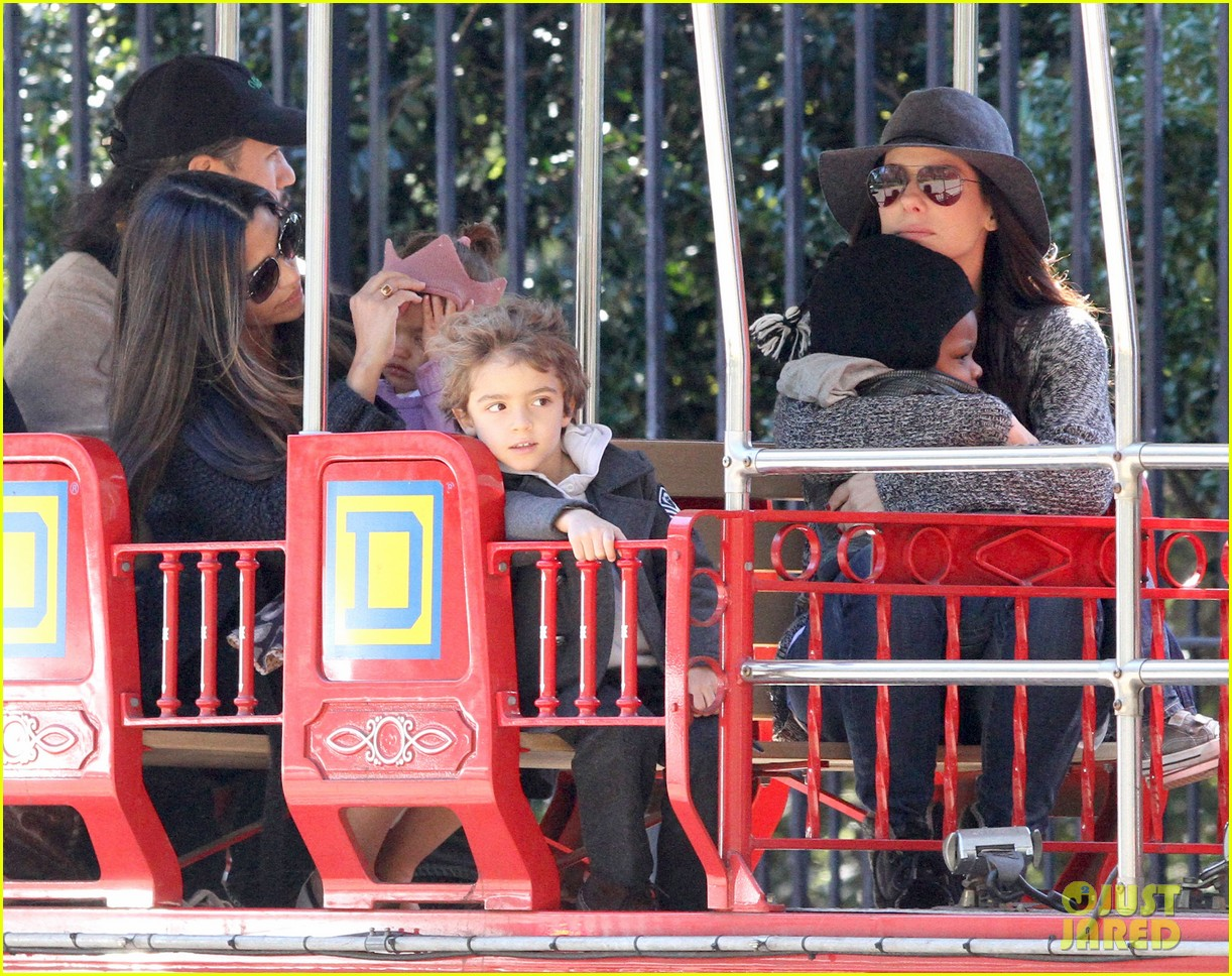 sandra bullock camila alves hang out with the kids 102757655