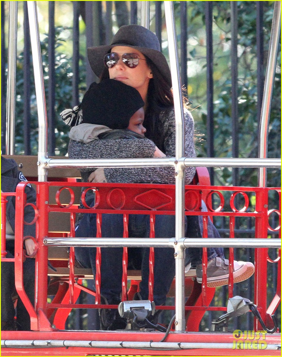 sandra bullock camila alves hang out with the kids 132757658
