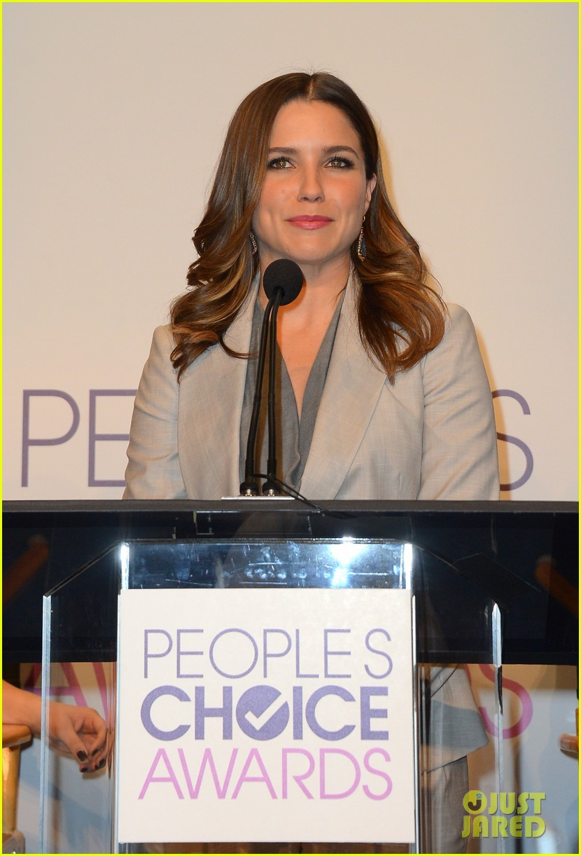 sophia bush peoples choice awards 2013 nominations announcement 022758227