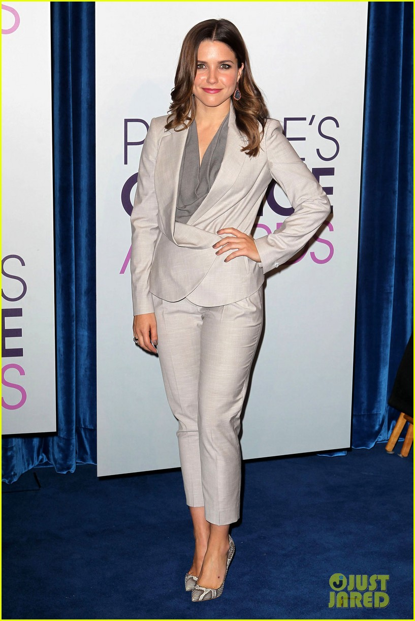 sophia bush peoples choice awards 2013 nominations announcement 102758235