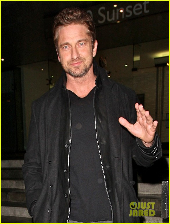 gerard butler wanted to spend his birthday in india 022760504