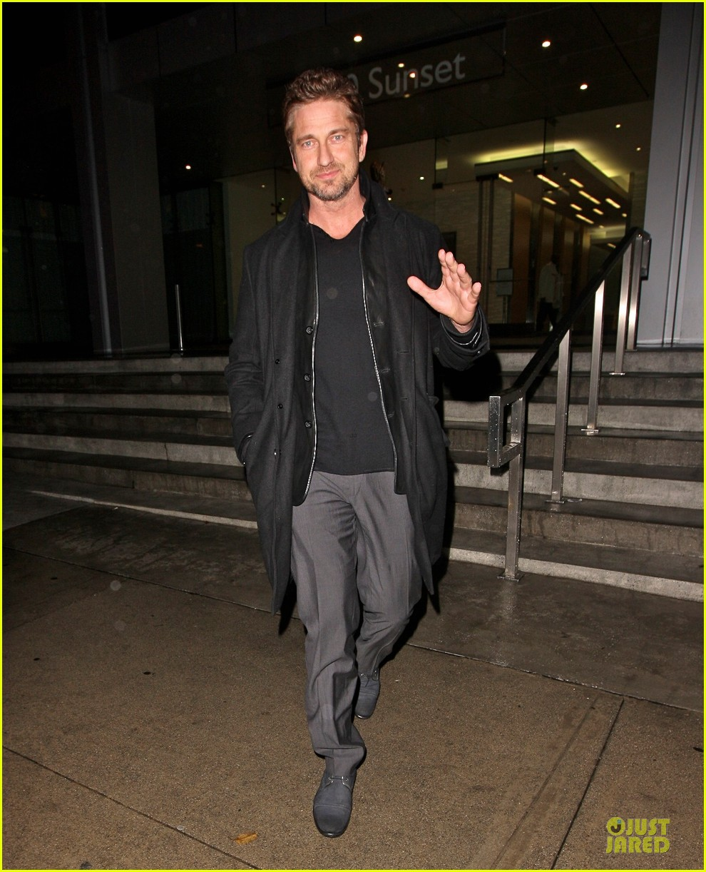 gerard butler wanted to spend his birthday in india 032760505